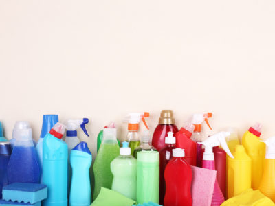 3 Potentially Toxic Ingredients to Avoid in Cleaning Products